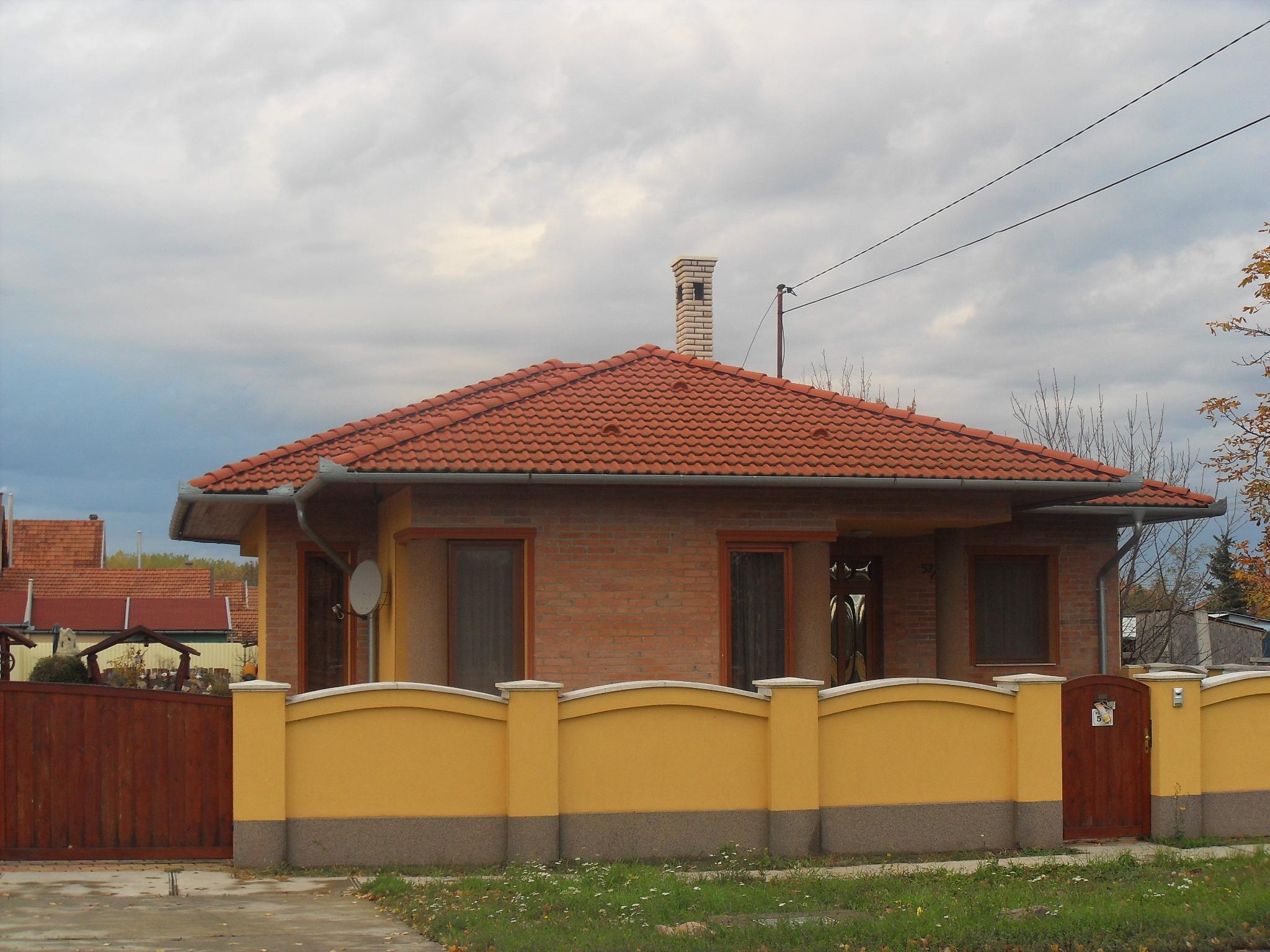 Ház 8