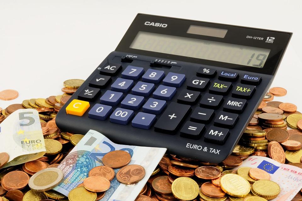 Számoljunk! Mennyi egy cégalapítás költsége 2017-ben?